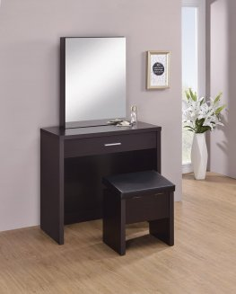 Capp. Vanity and Storage Bench